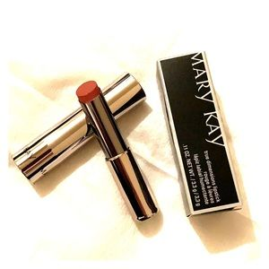 Mary Kay Natural Beaute True Dimensions lipstick
